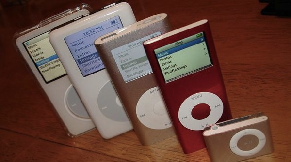 800px IPod 5G 4G mini nano 2G shuffle 2G 2006 12 29
