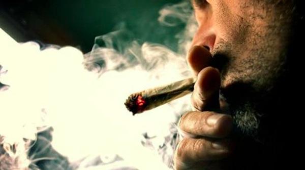 Marijuana pot smoker via AFP
